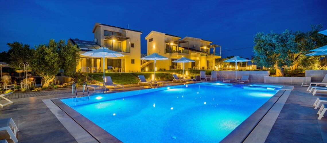_pool night_resized